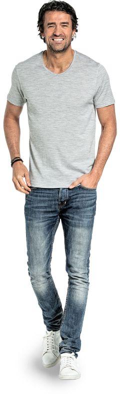 V Neck T-shirt for men made of Merino wool in Light grey