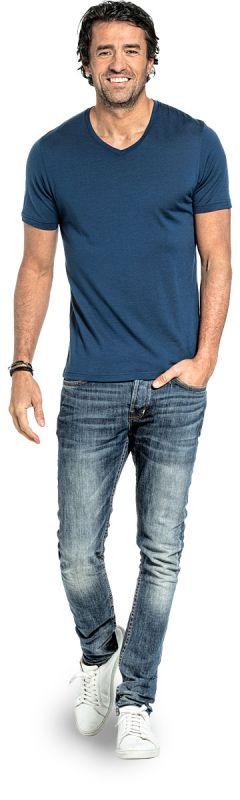 Wollshirt mit V-Ausschnitt für Herren aus Merinowolle in Leuchtendes Blau
