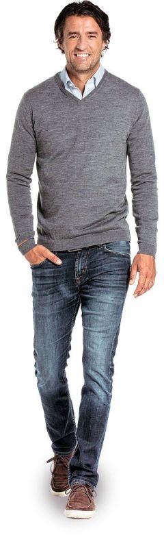 V hals trui voor mannen gemaakt van merinowol in het Grijs