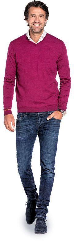 V hals trui voor mannen gemaakt van merinowol in het Donkerroze