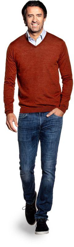 V hals trui voor mannen gemaakt van merinowol in het Oranje