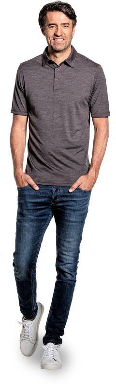 Poloshirt voor mannen gemaakt van merinowol in het Bruin