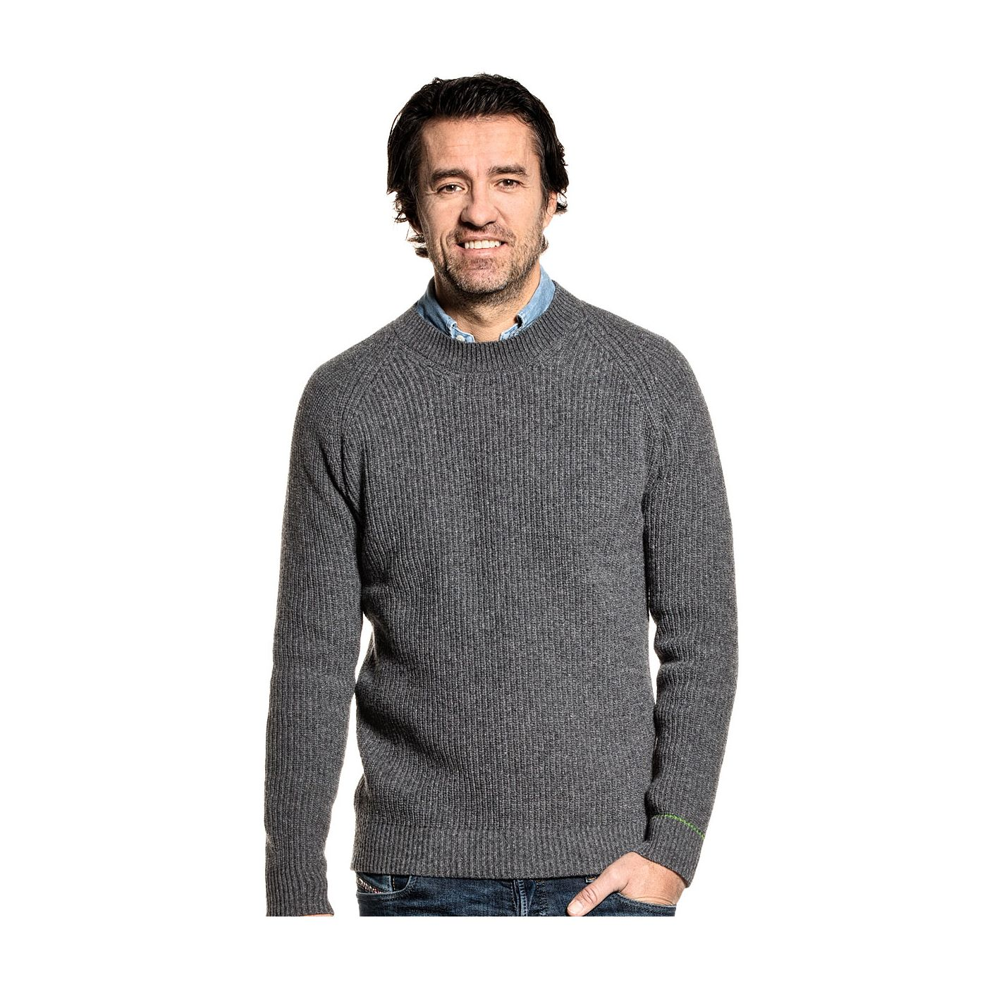 Recycled sweater for men made of Merino wool in Grey
