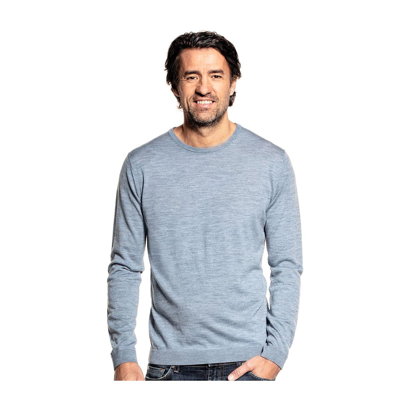 Ronde hals trui voor mannen gemaakt van merinowol in het Blauwgrijs