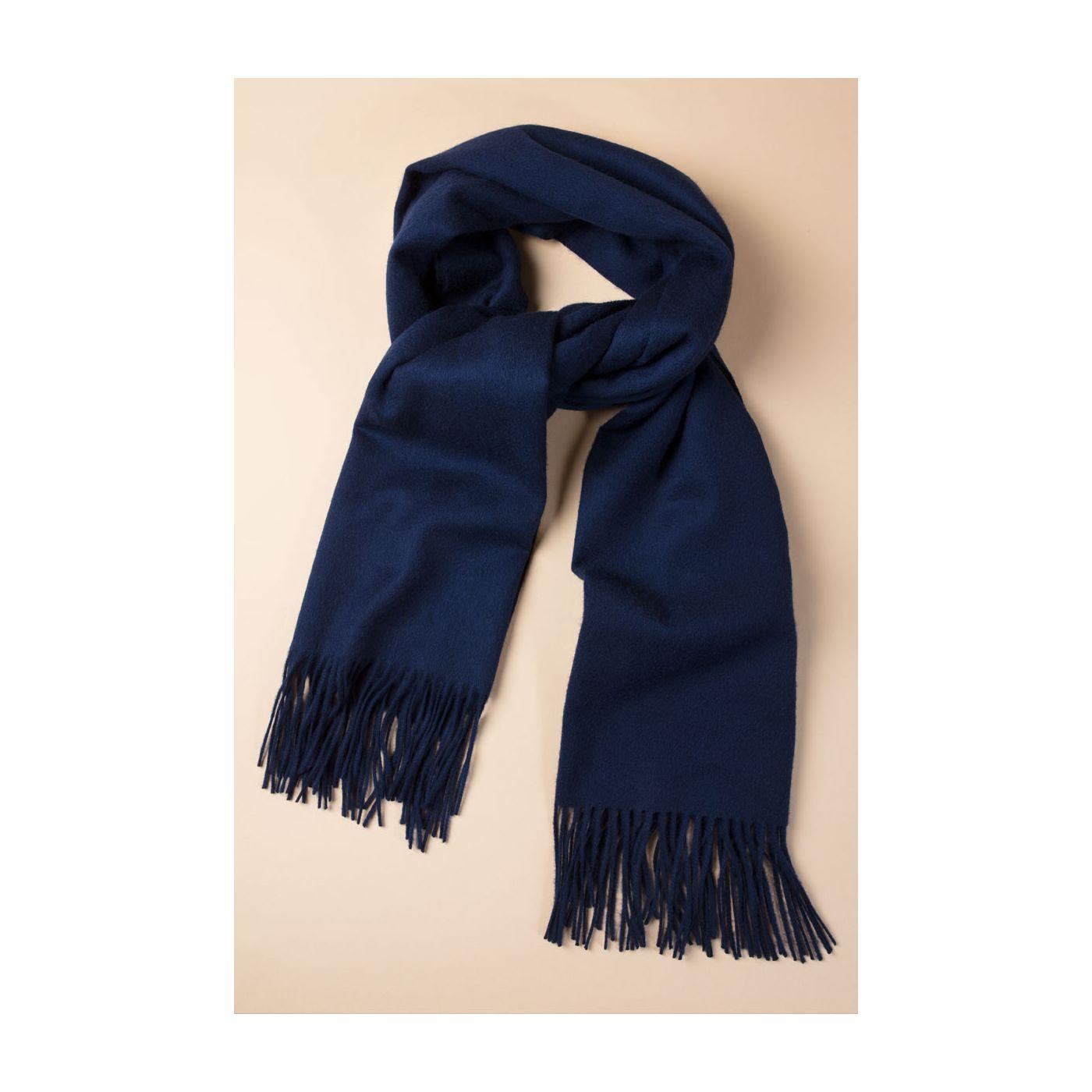 Scarf for men made of Merino wool in Dark blue