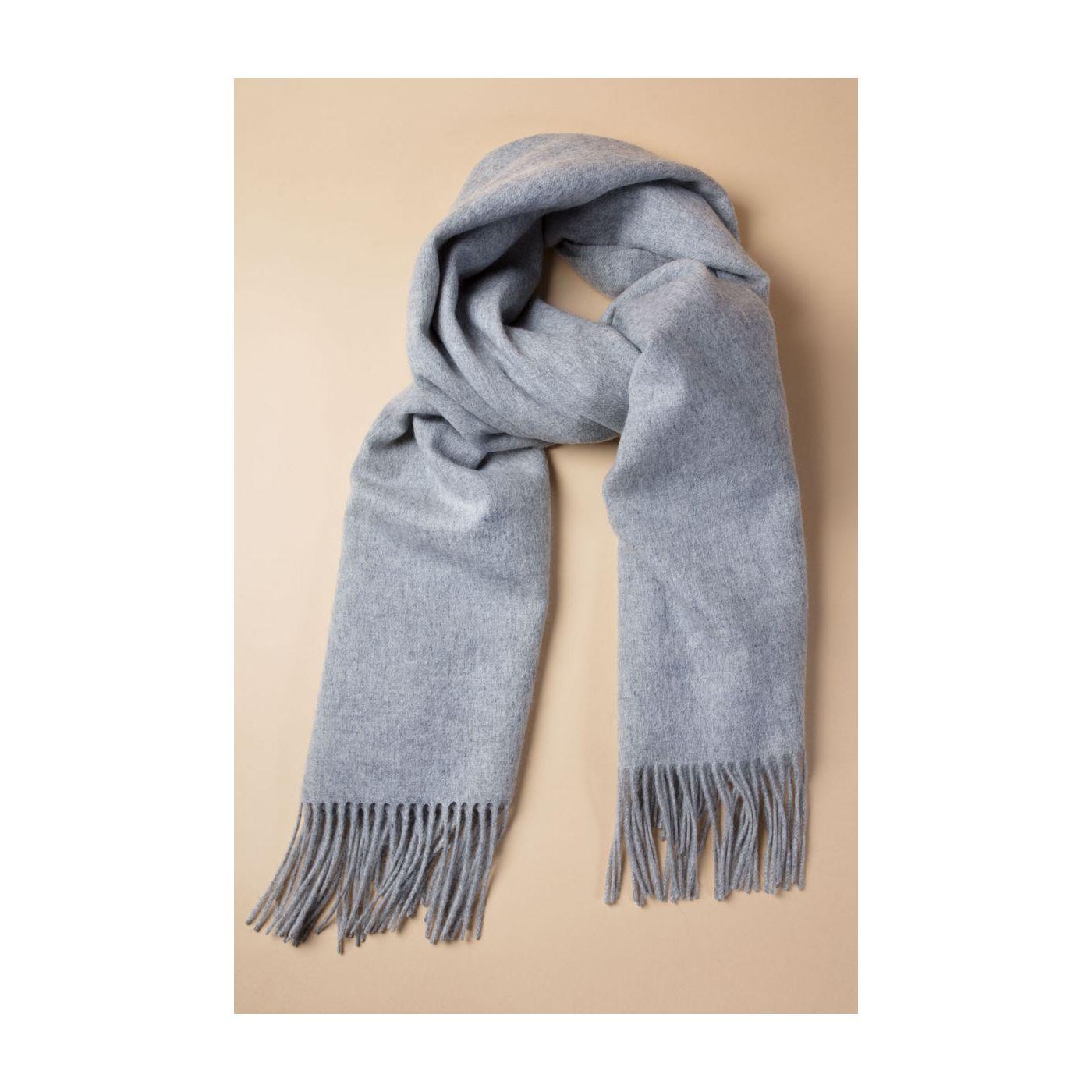 Scarf for men made of Merino wool in Light grey