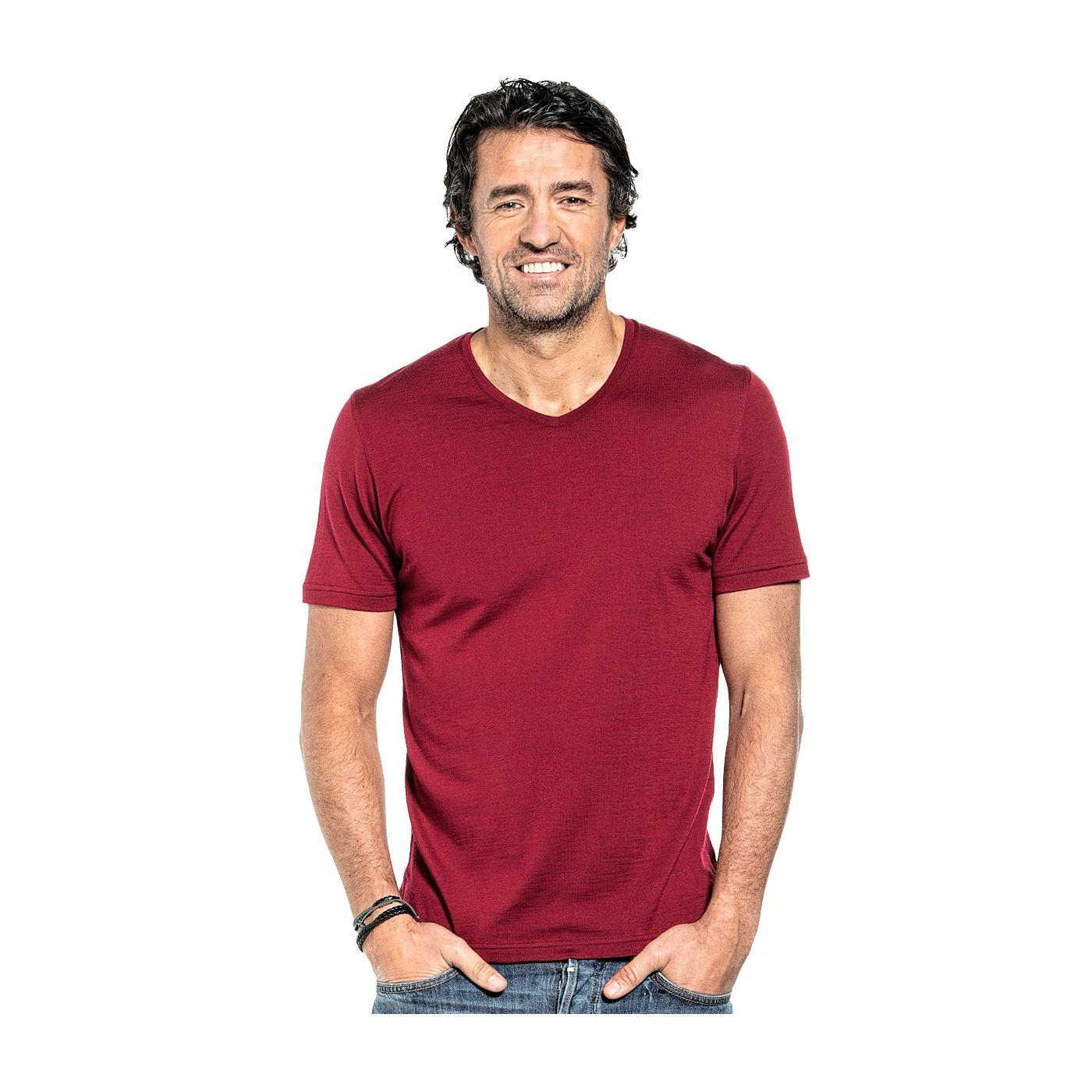 Shirt V-neck voor mannen gemaakt van merinowol in het Rood