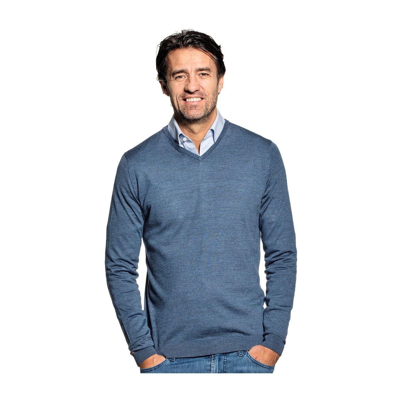 V-Neck sweater for men made of Merino wool in Blue