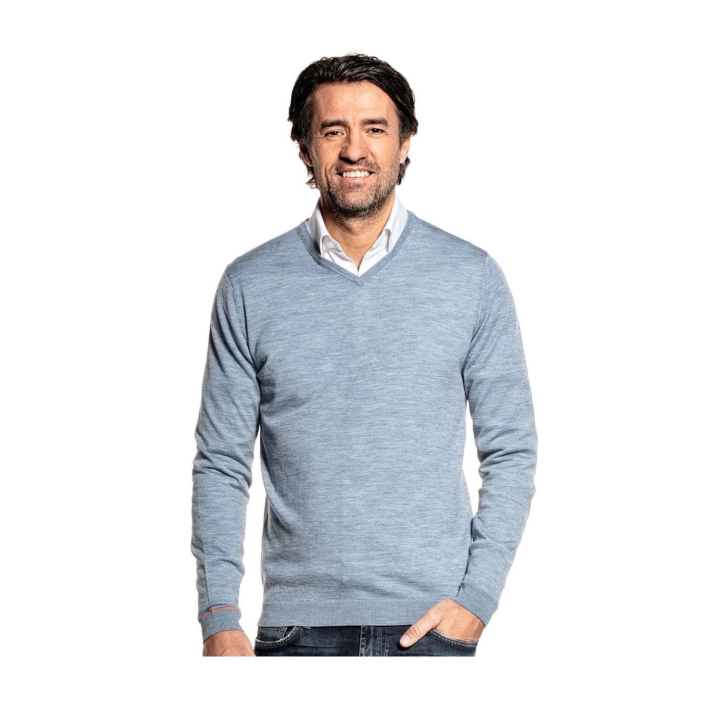 V-Neck sweater for men made of Merino wool in Blue grey
