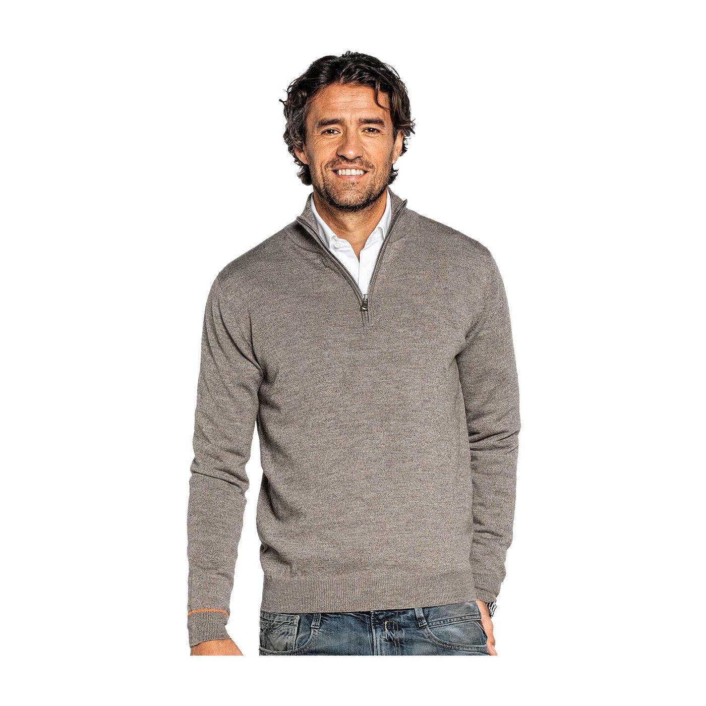 Half zip sweater for men made of Merino wool in Brown
