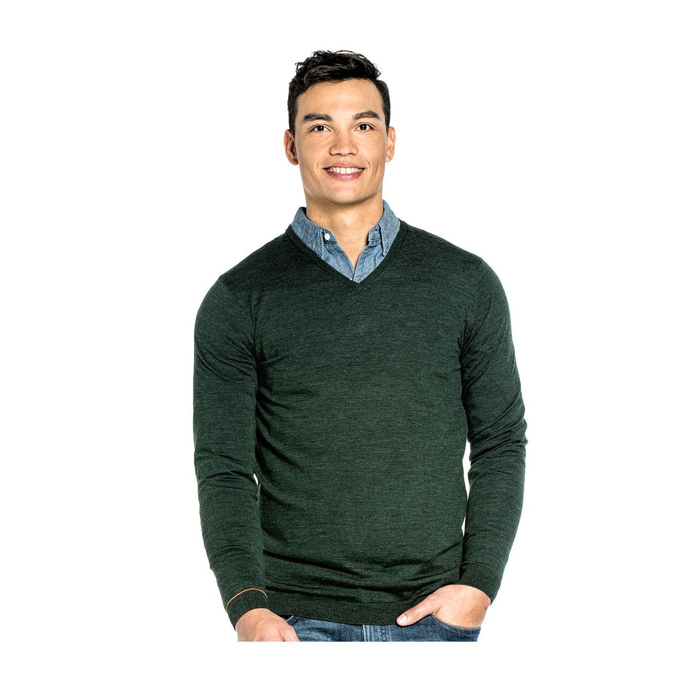 Extra lange V hals trui voor mannen gemaakt van merinowol in het Donkergroen