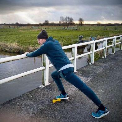 Jan Heemskerk in joggingpak Joe Jogging Proud Peacock